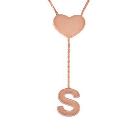 Halskette mit zierlichen Buchstaben mit zierlichem Herz