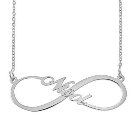 Halskette mit Namen im Infinity Stil