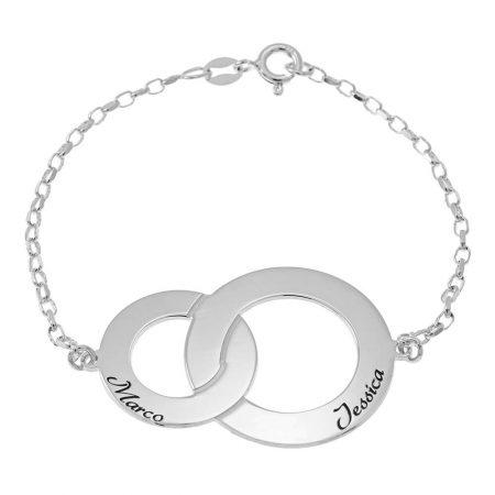 Armband mit ineinandergreifenden Kreisen und Namen