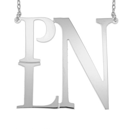 Halskette mit quadratischem Monogramm