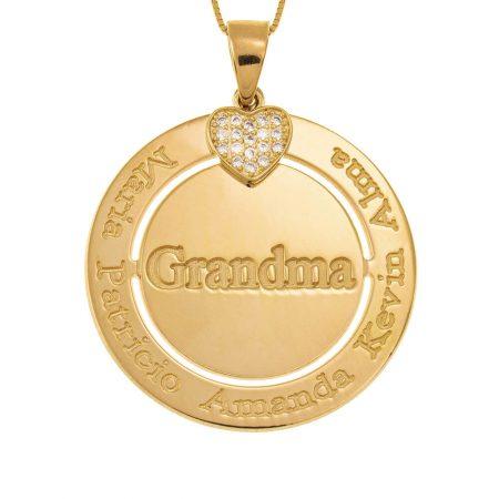 Gravierte Kreis-Oma-Halskette mit Inlay Herz-Herz